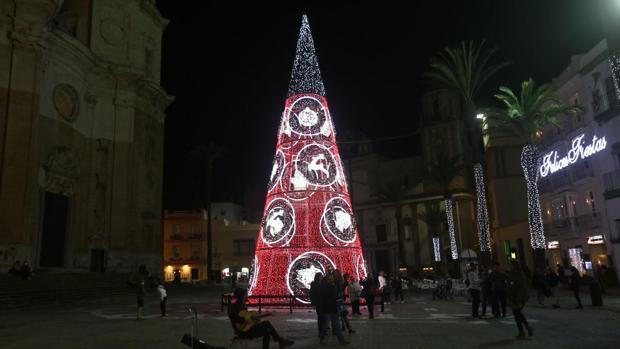 La plaza de la Catedral, alumbrada para las fiestas navideñas.