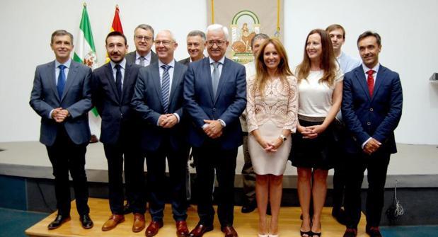 Foto de familia de los nuevos delegados de la Junta en Cádiz cuando tomaron posesión del cargo el 23 de junio de 2017