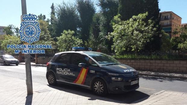 La Policía Nacional ha detenido al presunto autor de los hechos.
