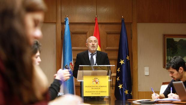 El delegado del Gobierno en Galicia explicó ayer los términos del contrato