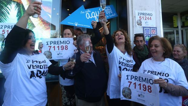 El Lucero, en Cádiz, vendió parte del primer y segundo premio de la Lotería de Navidad