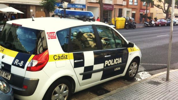 Un vehículo de la Policía Local en servicio.