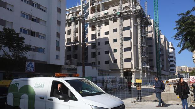El edificio en construcción se encuentra en la Avenida Juan Carlos I