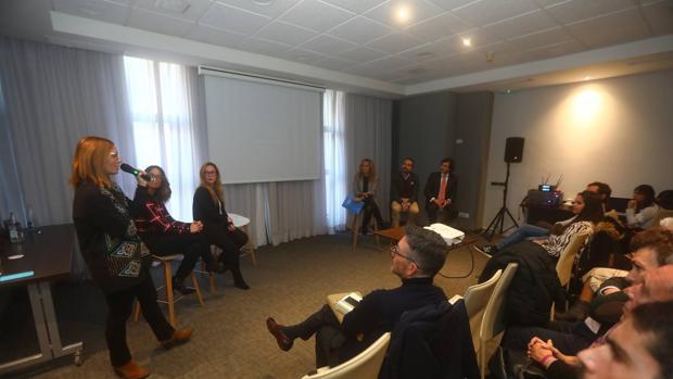 Momento del lanzamiento de Marketing en Cádiz