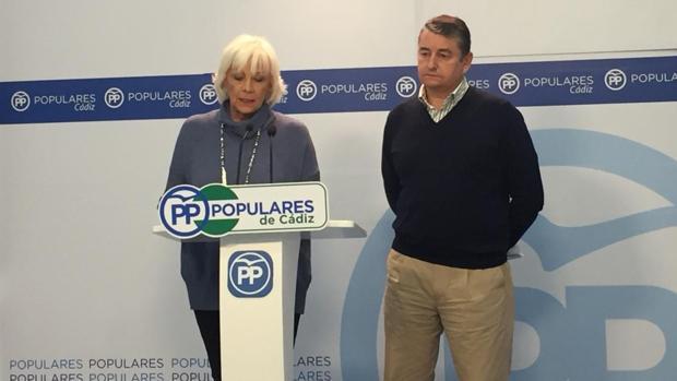 Teófila Martínez y Antonio Sanz durante la rueda de prensa.