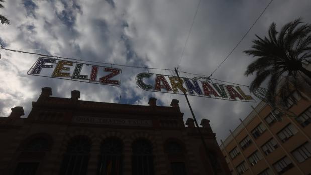 Las luces de Carnaval en la plaza Fragela.