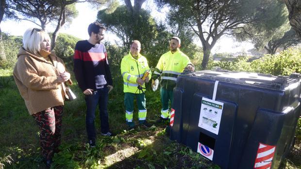 Muestra de la reutilización de los contenedores de basura.