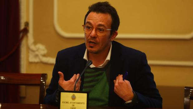 El alcalde de la ciudad, en una comparecencia pública tras conocer la sentencia.