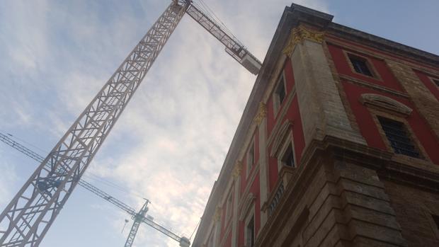 Imagen de la fachada del Ayuntamiento.