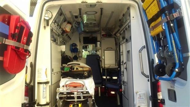 Foto de archivo de una intervención de urgencia en carretera.
