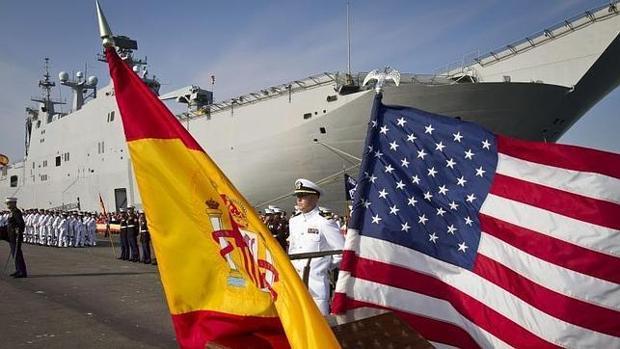Foto de archivo de una celebración oficial en la base naval de Rota.
