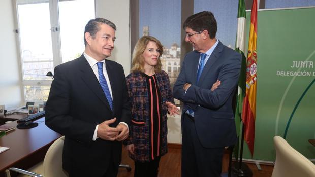 Sanz, Mestre y Marín durante el acto.