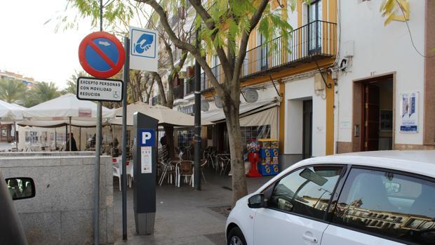 En la actualidad la multa por aparcar en una plaza reservada sin la autorización debida, es de 200 euros