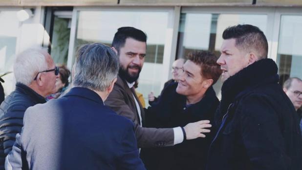 El candidato socialista mantuvo en la tarde de ayer la primera reunión de trabajo con su equipo.