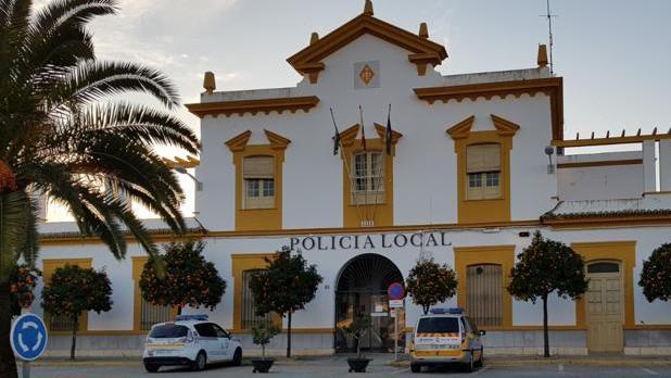 El Ayuntamiento de Écija convoca nueve plazas de policía local vacantes en su plantilla