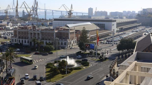 Vista aérea de la plaza de Sevilla, cuya ordenación depende del convenio que aún está pendiente de firmar entre Ayuntamiento y Adif.