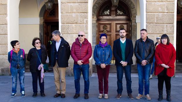 Miembros de la Corporación en el minuto de silencio convocado por los atentados de Nueva Zelanda.