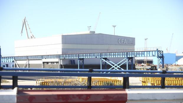 Vista panorámica de la nave provisional que alberga el CFA en el astillero de Puerto Real