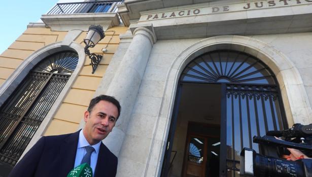 García Gallardo habló con los medios a su llegada al juicio.