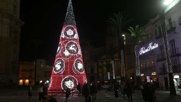 La ampliación del alumbrado de la Navidad de 2016 ha sido objeto de polémica.