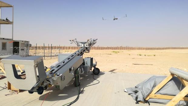 Lanzamiento de uno de los drones de la Undécima Escuadrilla de Aeronaves de la Armada en Irak.