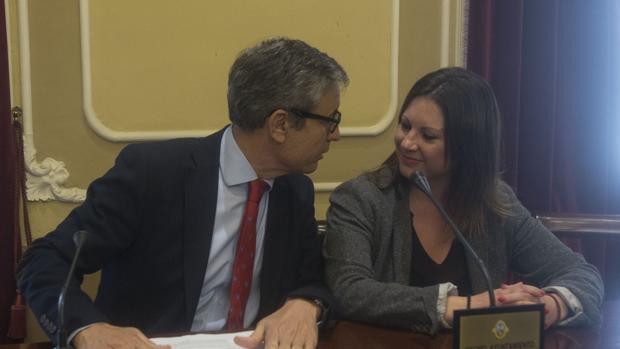 Los dos concejales no adscritos, Pérez Dorao y Fernández-Trujillo.