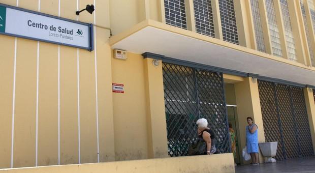 El joven herido fue trasladado de urgencia al centro de salud de Loreto.