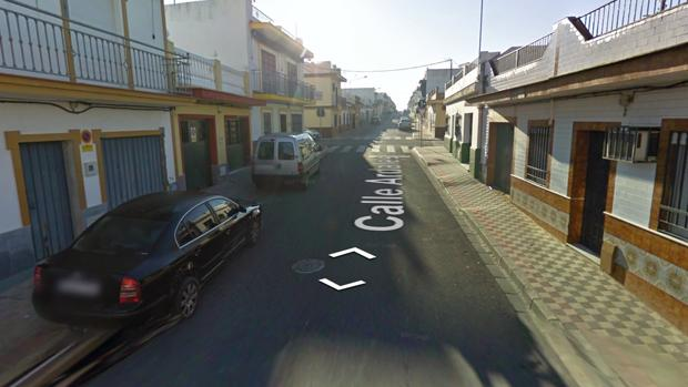 Los hechos ocurrieron en septiembre de 2017 en la calle Manzanilla de Dos Hermanas