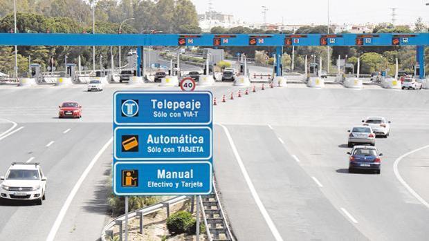 El peaje de la autopista AP 4 es objeto de polémica entre partidos políticos.