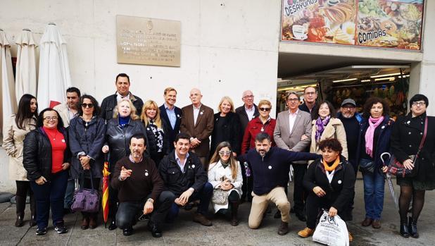 Ana Peral, junto al candidato de VOX a las Generales por la provincia, Agustín Rosety, el pasado lunes en Cádiz.