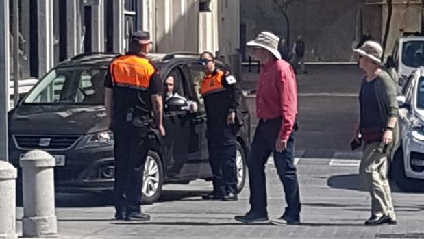 Efectivos de Protección Civil, este Domingo de Ramos, haciendo funciones de policías locales.