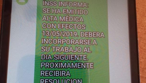 Mensaje de texto recibido en el teléfono del docente de Cádiz