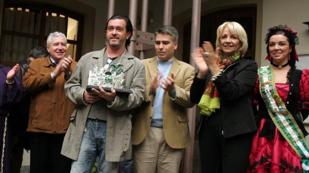 Juan Carlos Aragón, con Vicente Sánchez y Teófila Martínez, en una imagen de 2008.