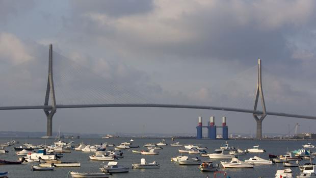 El PP asegura que el segundo puente ha aliviado de atascos la ciudad.