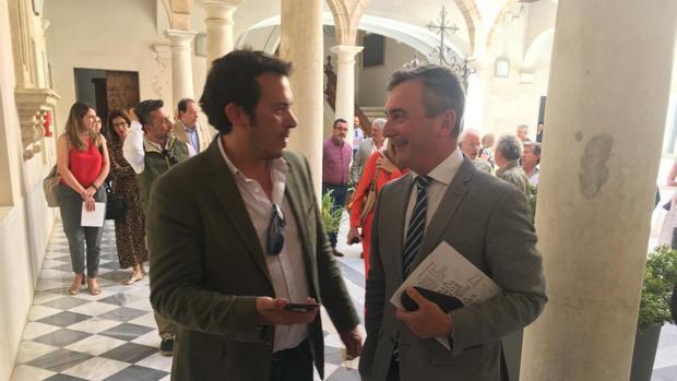 El alcalde y el rector, en la exposición que se ha inaugurado este miércoles en el nuevo TRectorado.