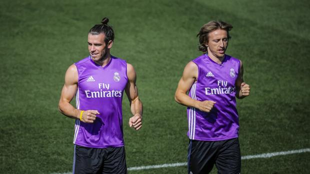 Bale y Modric se entrenan en Valdebebas