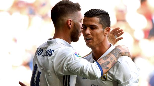 Ramos felicita a Cristiano por su gol al Osasuna