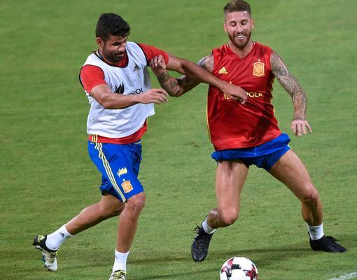 Ramos, durante un entrenamiento con la selección española