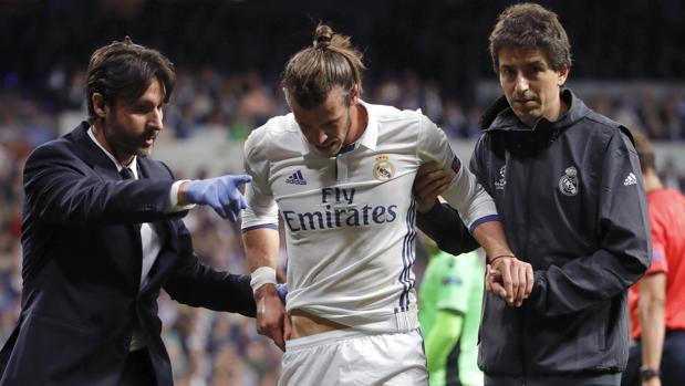Bale, lesionado en una cadera, baja frente al Español
