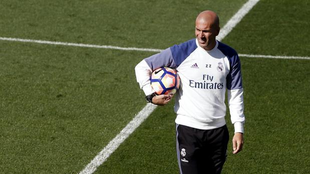 Zidane, durante el entrenamiento del Madrid
