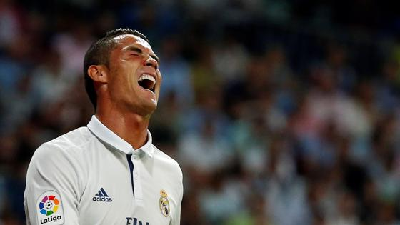 Cristiano Ronaldo se lamenta tras una ocasión fallada