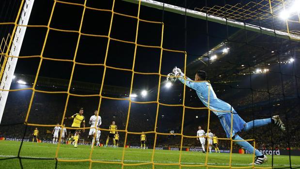 Así fue el despeje de Keylor Navas que provocaba el gol del Dortmund antes del descanso