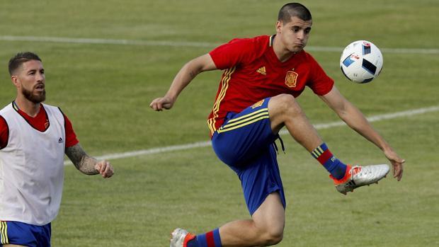 Ramos y Morata, con España