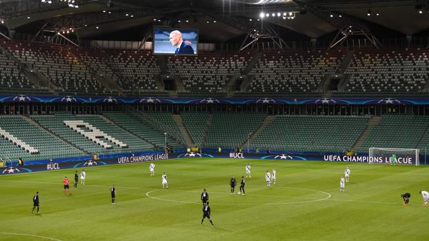 Imagen del estadio vacío del Legia al comienzo del partido