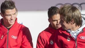 James y Modric, listos para jugar el domingo