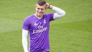Kroos deja al Madrid sin medio centro en el derbi