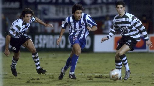 Ronaldo, junto a Deco y Sa Pinto, en un Oporto-Sporting,