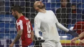 Benzema se examina en el clásico