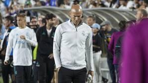 Zidane, cabizbajo tras la derrota ante el Manchester City