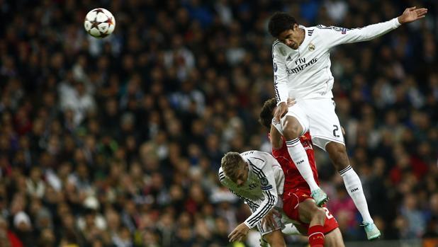 Real Madrid-Apoel:  Varane reaparece